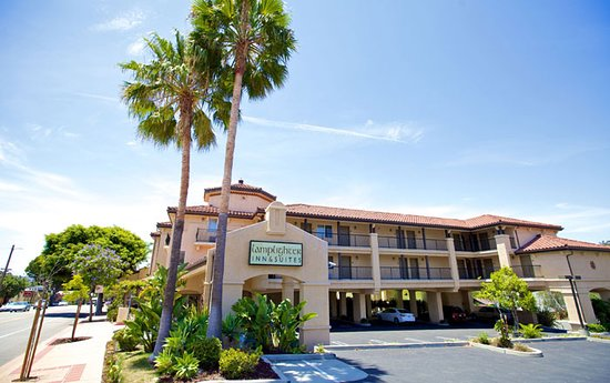 Lamplighter Inn & Suites