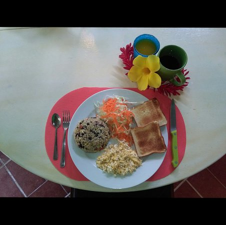Cocles, คอสตาริกา: Bread, eggs and Gallo Pinto.
