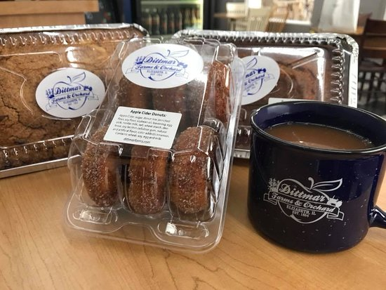 Elizabeth, IL: Yummy treats out at the Pumpkin Patch and in town at Orchard Station