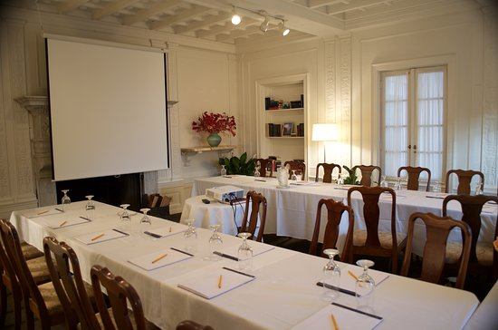 Geneva on the Lake: Conference Room