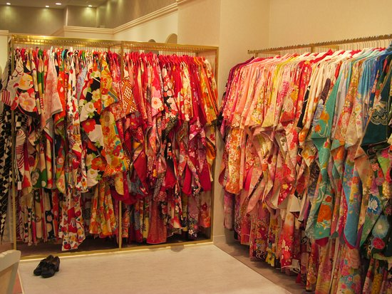 Aeon Mall Okinawa Rycom: yukata and kimono