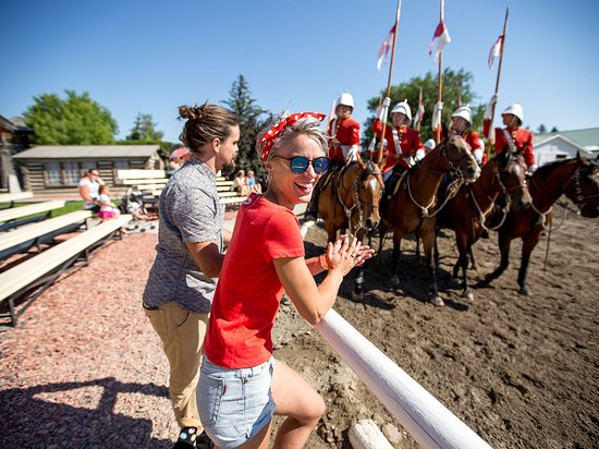Alberta, Canadá: The North West Mounted Police Musical Ride in Fort Macleod.
