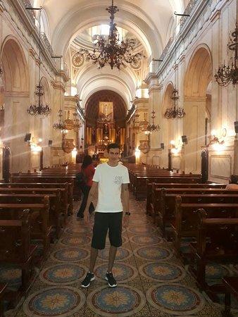 Matriz Katedrali: Gostei bastante!! Tem muita história,Lugar gelado por causa que a igreja é  feita  de mármore...