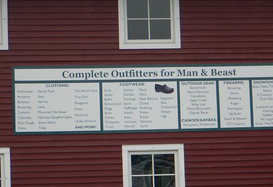 Bradford, VT: Farm Way's offer that they are outfitters for man and beast.