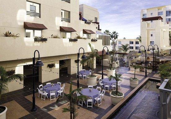 JW Marriott Santa Monica Le Merigot: Exterior