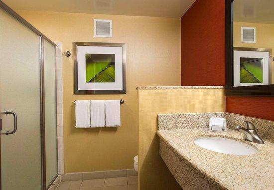 Ewing, NJ: Guest room