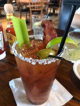 Avila Beach, Калифорния: Bloody Mary (bacon costs extra $1 but worth it)