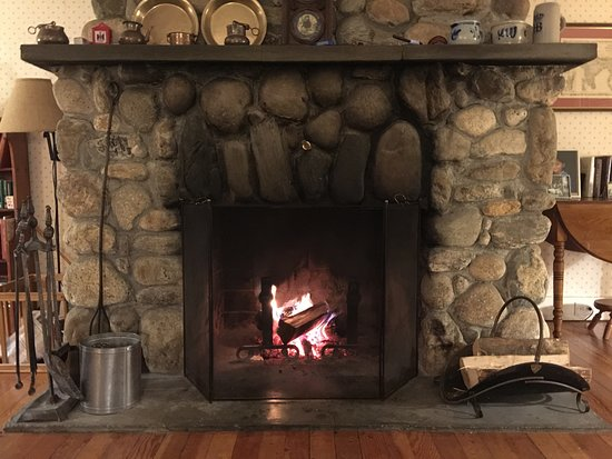 Barnard, VT: Love the fireplace!