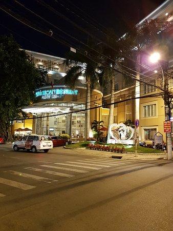 First Hotel Foto