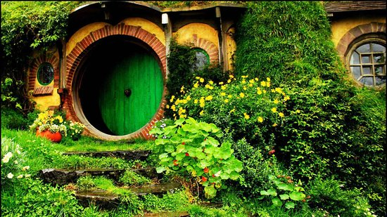 Avondale, New Zealand: Kia Ora - Hobbiton Tour ( Executive Airport Transfers )