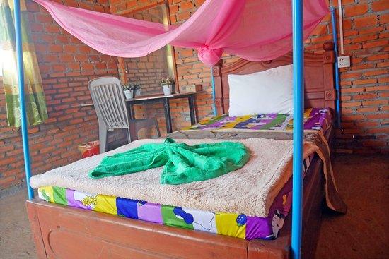 Krong Ban Lung, Cambogia: Single room and facility