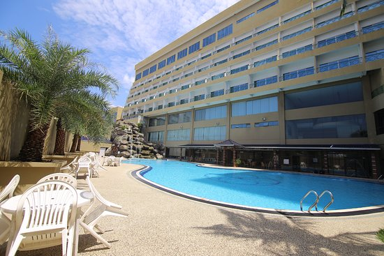Grand DarulMakmur Hotel Kuantan: Poolside