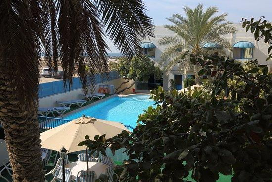 Al Corniche Hotel ~ Villa Alisa
