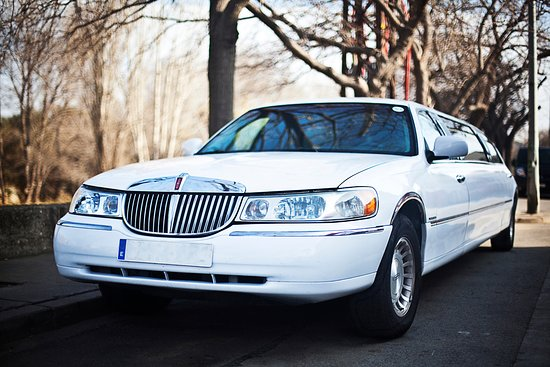 White Ford Lincoln Town Car Interior Picture Of Limos4barcelona