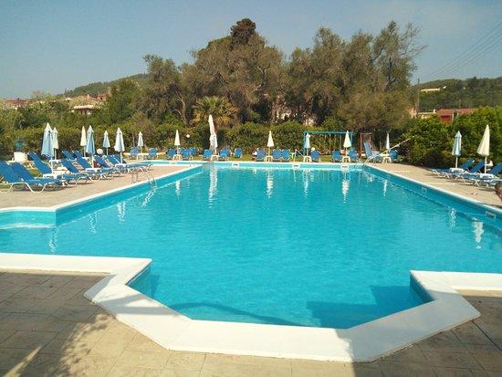 Petriti, اليونان: TA_IMG_20180419_101713_large.jpg