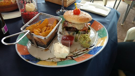 Algarrobo, Spain: Chiki Beach Burger