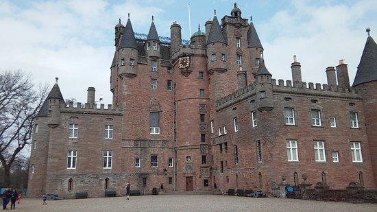Glamis, UK: la facade du chateau