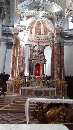 Chiesa dei Gesuati o Santa Maria del Rosario: Altare