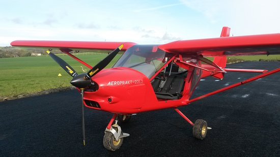 Saint-Clar, França: Le nouvel appareil, un A22.