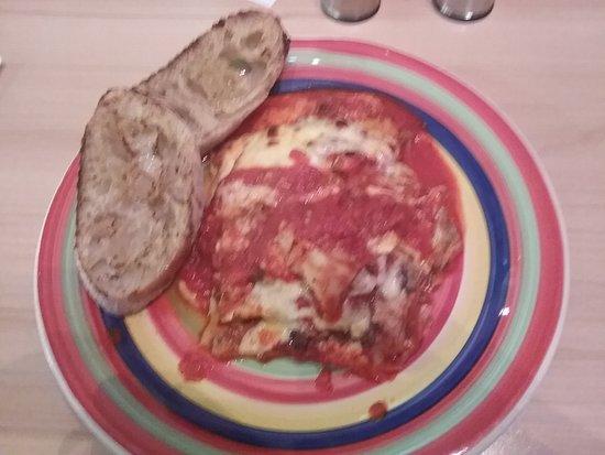 Tutto Matto Pizzeria: Lasagna