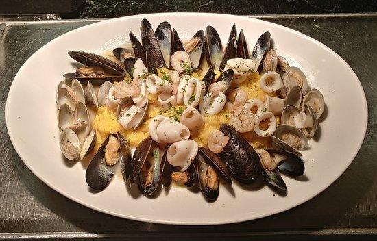 Pazzo Pomodoro: Vermicelli con Cozze - Vermicelli and Mussels