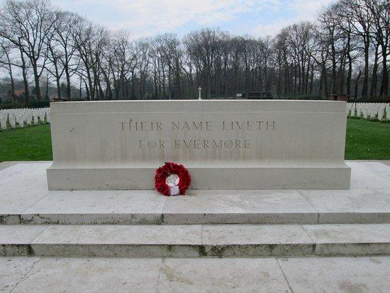 Airborne Cemetery: Arnhem Oosterbeek War Cemetery