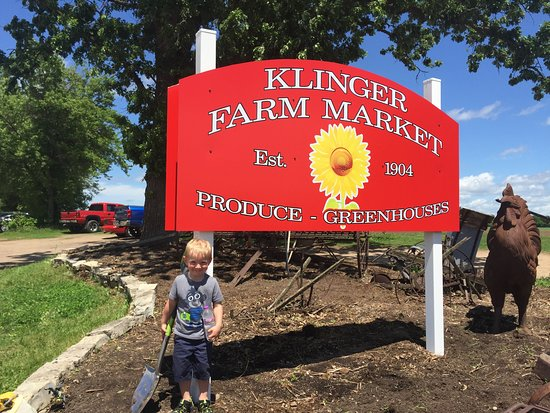 Chippewa Falls, WI: Klinger Farm Market Est.1904