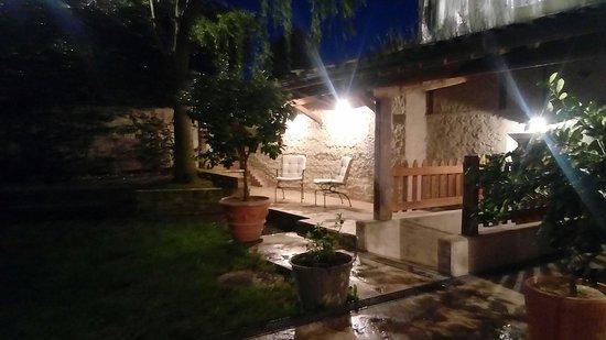 Sant'Urbano, Italien: 20180418_204620_large.jpg