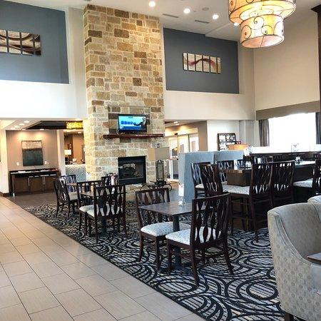 Holiday Inn Express & Suites Fredericksburg: photo2.jpg
