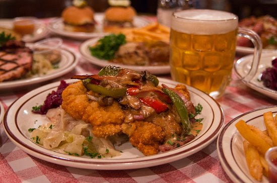Hudson, WI: Good cold German beer and Gypsy schnitzel