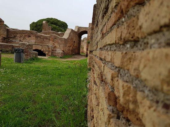 Ostia Antica, Italia: 20180414_145648_large.jpg
