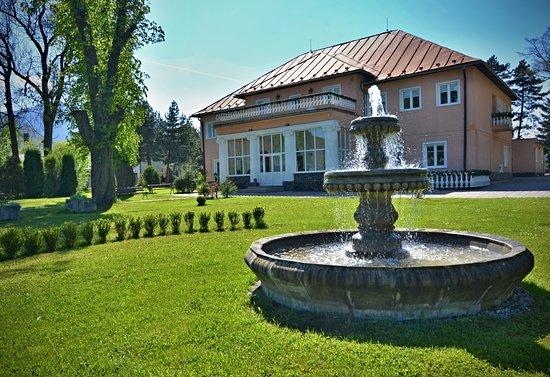 Hotel Svatojansky Kastiel: leto
