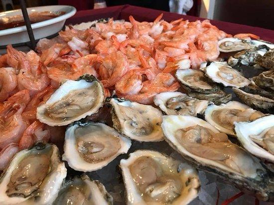Algonquin, IL: Friday International Seafood & Sushi Buffet - 2