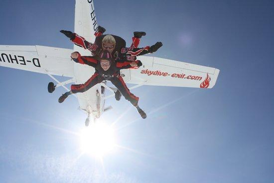 Tandemspringen aus Ausbildung zum Skydiver in Eggenfelden