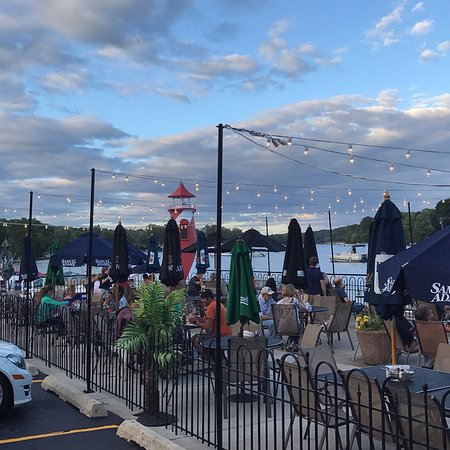 Algonquin, IL: Dockside (Outdoor) Dining Area