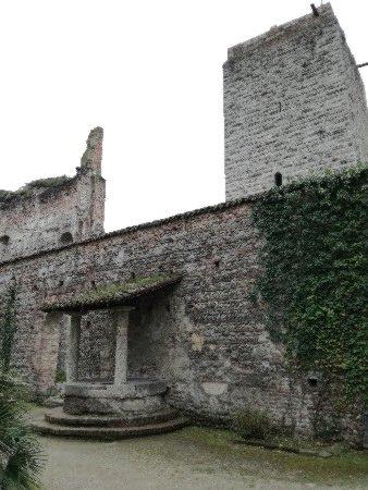 Castello Visconteo: torre e pozzo