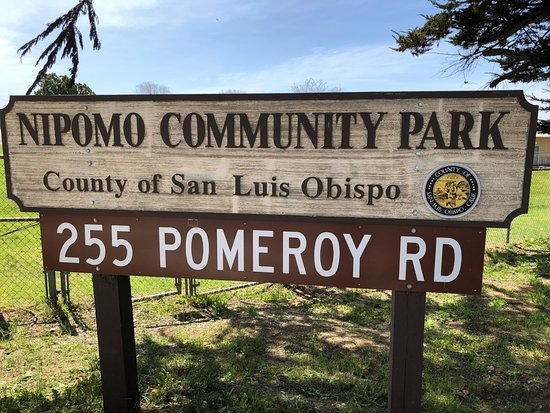 Road sign for Nipomo Community Park