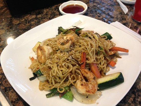 Pikesville, MD: Yaki Soba Noddles w/ Shrimp.