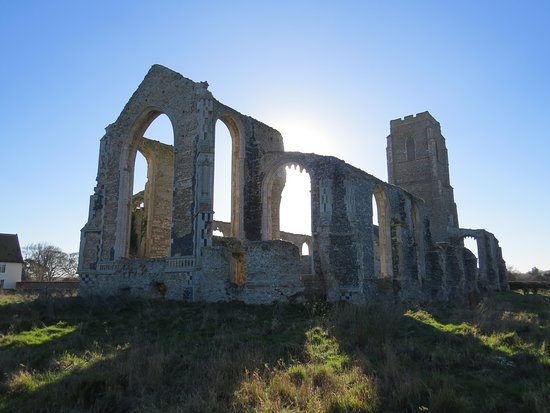 Suffolk, UK: The dramatic church ruins.
