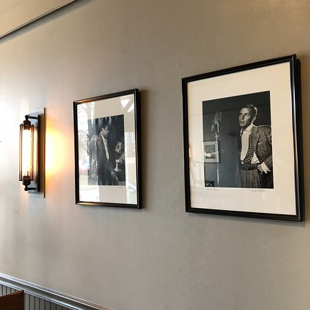 Great Barrington, MA: Classic black and white photos in the front of the bar