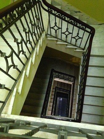 Esplendor Hotel Cervantes: Bellas y antiguas escaleras