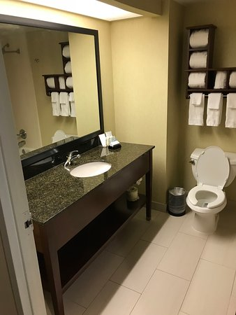 Midlothian, VA: nice clean bathroom
