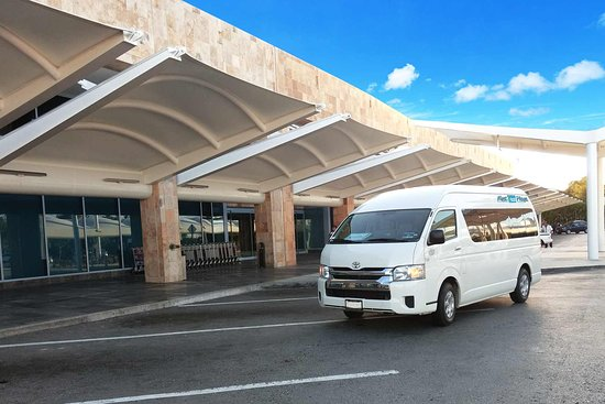 MeetPlaya Transfers: MeetPlaya transportation van at Cancun Airport