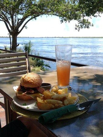 Zambezi Mubala Lodge: Paradise Burger!