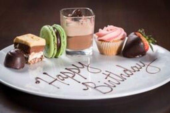 Tsawwassen, Canadá: Birthday Celebration Plate