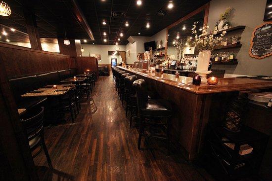 Hutchinson, MN: Bar