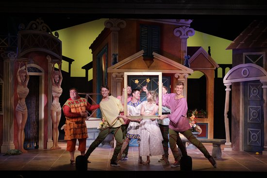 Fayetteville, Pensilvania: A FUNNY THING HAPPENED ON THE WAY TO THE FORUM (2016).