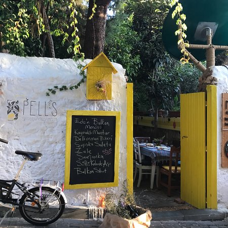"Pell's Cafe ""Breakfast & Local Delights"": photo0.jpg"