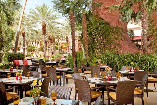 Red rock casino resort spa restaurants