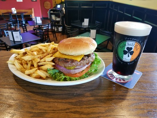 Hanover, New Hampshire: Best burger in the region! 